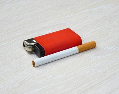 谁知道老队长的香烟和黑鬼在哪里卖。如果你想要真正的,不要来。