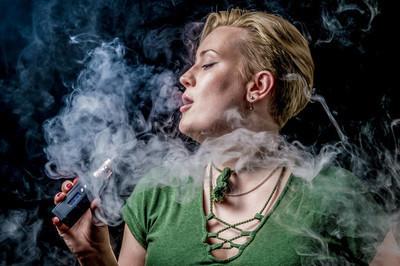 问红云红河烟草集团有限公司一包柔雪莲香烟多少钱?