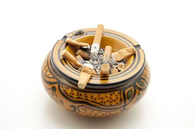一包南京喜庆香烟(红包)和一包是多少钱?