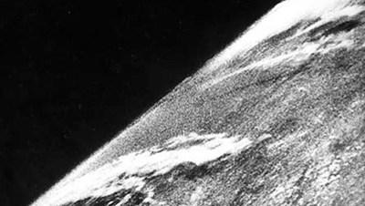 【数据测试】第一张从太空拍摄的照片