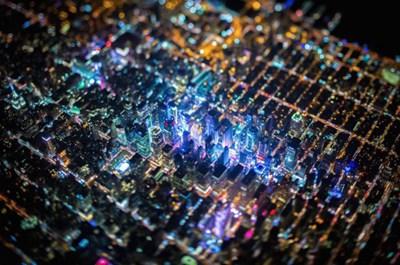 """【数据测试】摄影师乘直升机夜袭纽约 拍摄绝美""""电路板""""奇景"""