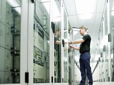【数据测试】亚马逊承诺将提高数据中心冗余