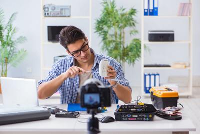 华硕无线路由器怎么设置上网?