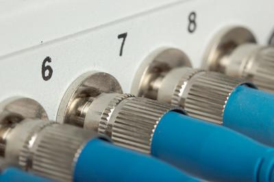 锐捷网络RG-NBR1000G路由器怎么安装?