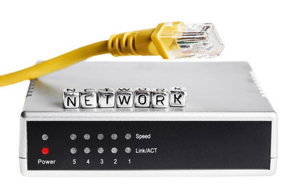 无线需有效覆盖200米,预算一千左右,光纤100兆如何选购企业路由器?