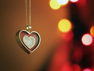 住在说说-情感说说带图片:总有一个人,一直住在心里,却告别在生活里