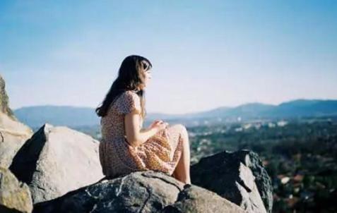 想你的句子牵挂一个人的心情短语 一句话表达我很想你的句子