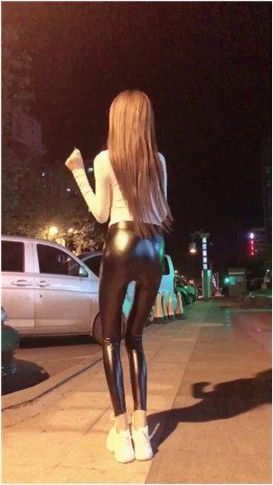 美女直播理论图片_太性感了。韩国女主播兔女郎展示性感身材