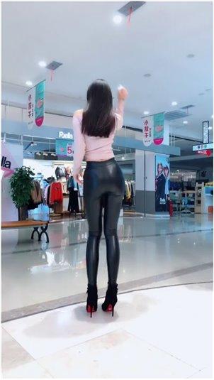 韩国bj惠娜19在线观看_小姐姐的表情变化太真实了!