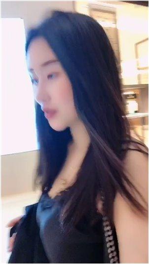 网红豆芽技师电影_长腿美女主播性感出击浪漫复兴史