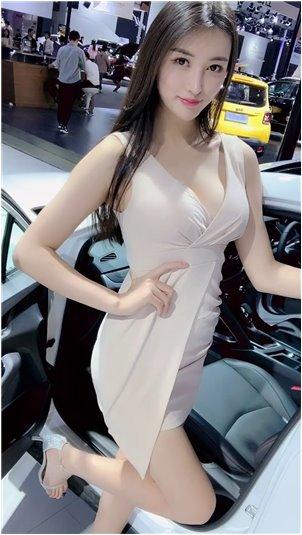 我要看韩国美女主播的胸_[切片独角兽]夸机场妹子