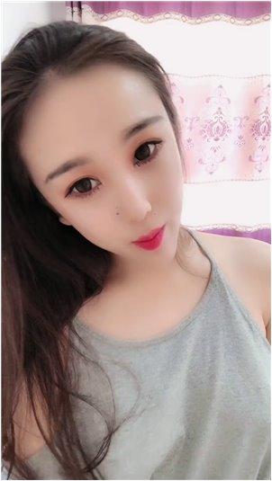 韩国女主播美美在线版_美丽的女主播穿着蓝色的衣服,性感的舞蹈罢工