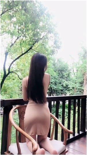 网红龙哥嘴姐_沈与湖南美女主持性感起舞,她的表演引人注目!核心位置一目了然!