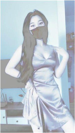 漂亮的纹身小姐姐_韩国美女主播热舞秀身材。有人认识她吗?