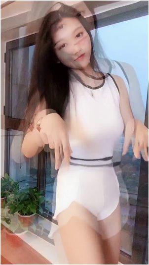 虎牙直播退网申豪_《美女主播系列》喜欢跳舞的韩国小妖姬01