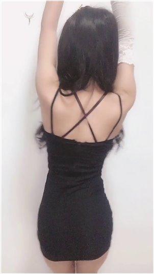龙珠女主播去哪里了_韩国网络女主播米娜走红,腰臀比几乎完美