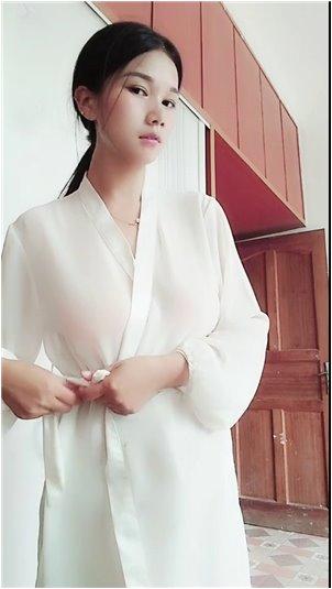 韩国李美美_女主播封面我们不& # 39;不再说话,这是我从主播那里听到的最好的一个