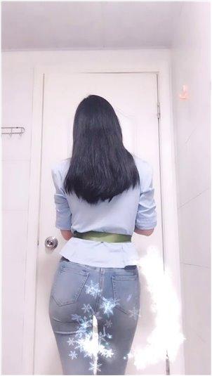 在中国比较出名的韩国女主播_美女主播撞了人,但只躲在方向盘下
