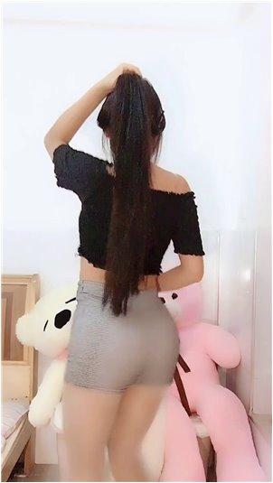 杨艺可_漂亮的黑色丝袜小姐姐!私人照片