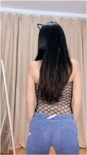 女生霸气遮脸照片_韩国最大女神的嘴有多大?脸大的鸡腿下去会留下骨头。网友:OMG