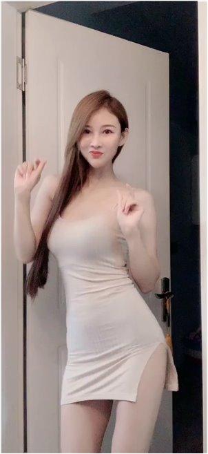 闵泰延妍智海边_黑色超短裙小姐