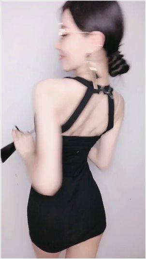 韩国主播瑟雨尺度_性感小姐姐来过,却因为太瘦掉水里,画面太尴尬