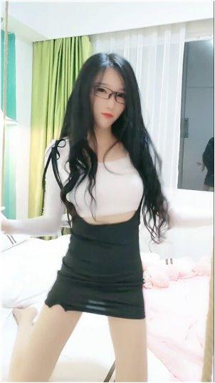 小姐姐网恋吗我超_韩国迷人女主播视频