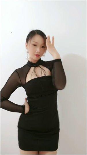 瑜伽基本动作_韩国女主播-美女性感自拍视频