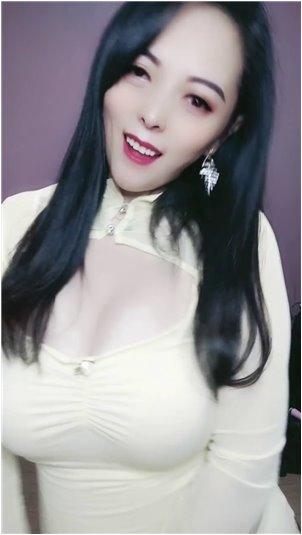 趁着朋友出差受不了正在播放_韩国女主播妹子性感舞蹈2.24